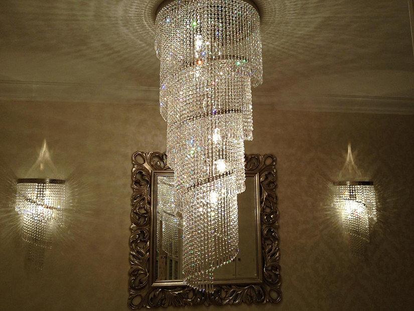 хрустальная люстра для высоких потолков