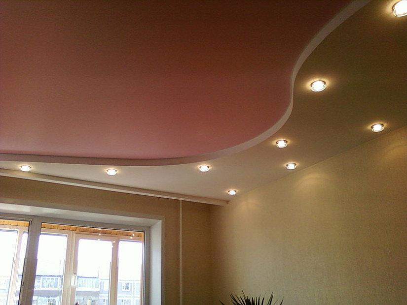 Энергосберегающие лампочки на натяжном потолке