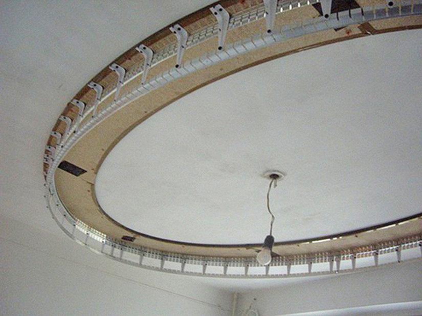 монтаж двухуровневого натяжного потолка