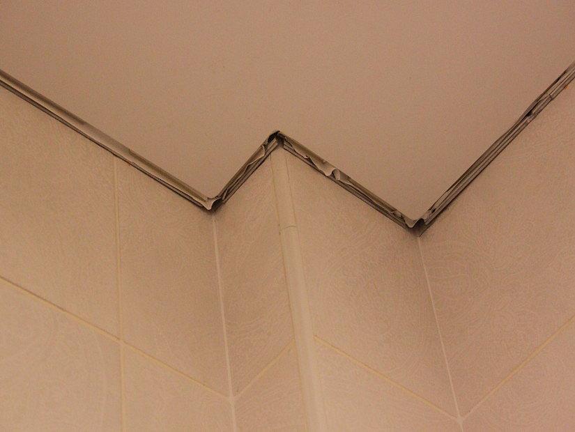 потолок до монтажа маскировочной ленты
