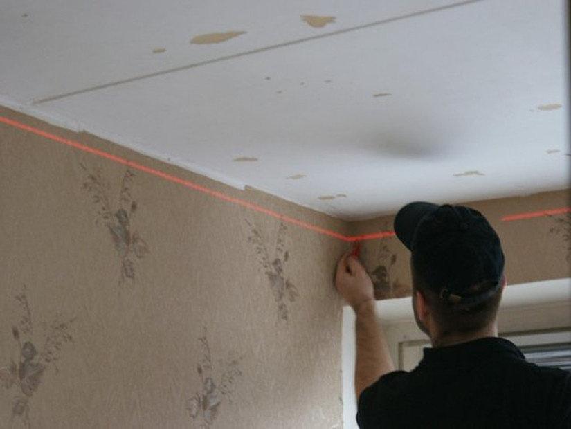 разметка стен перед монтажом натяжного потолка