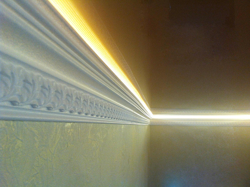 молдинг со светодиодной подсветкой