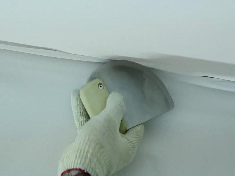 заправка тканевых потолков в багет