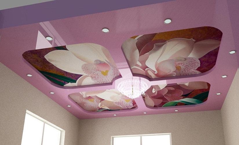 натяжные потолки двух цветов с фотопечатью