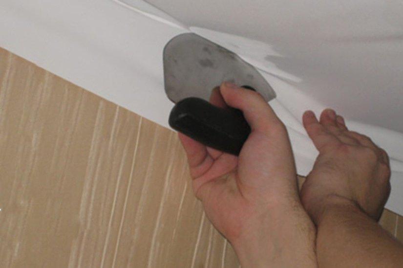 Монтаж тканевого потолка клипсовым методом
