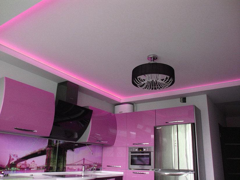 круглая люстра на кухне