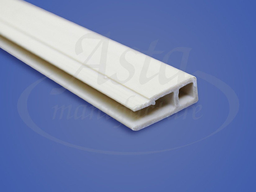 Пластиковый профиль для монтажа натяжного потолка гарпунным способом