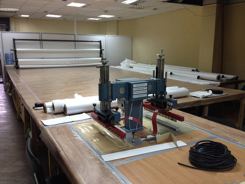 ТВЧ-станок для производства натяжных потолков