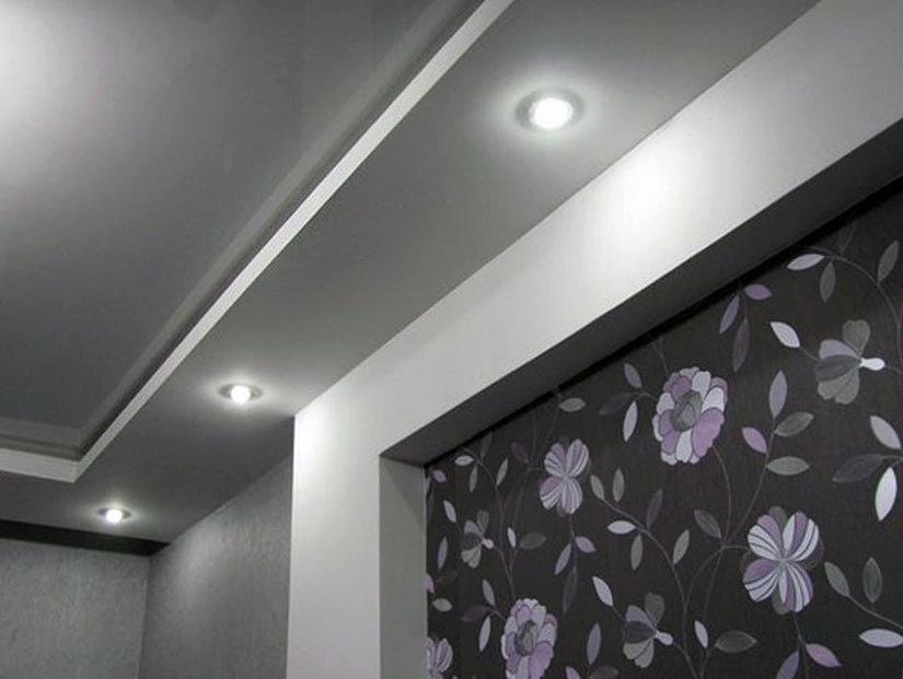 точечные светильники и натяжной потолок