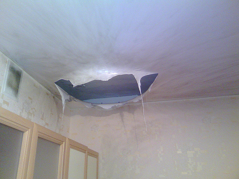 натяжной потолок при пожаре