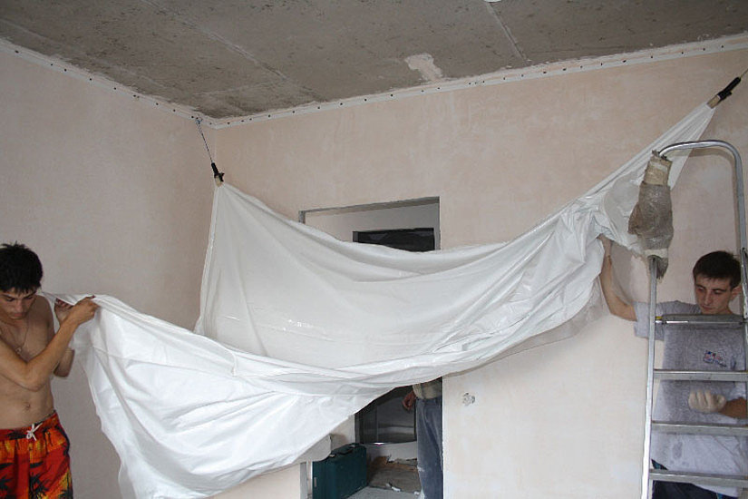 монтаж натяэного потолка