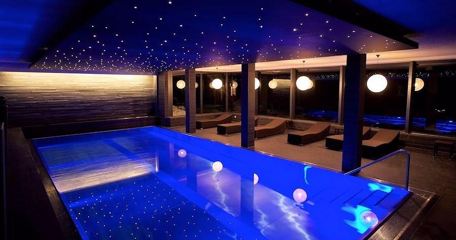 """Натяжной потолок """"Звездное небо"""" в бассейне"""