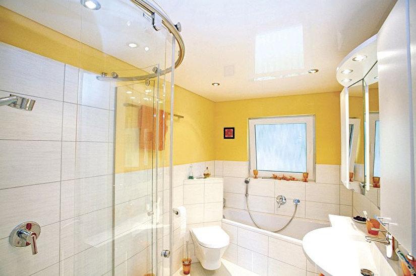 Натяжной ПВХ потолок- лучшее решение для ванной