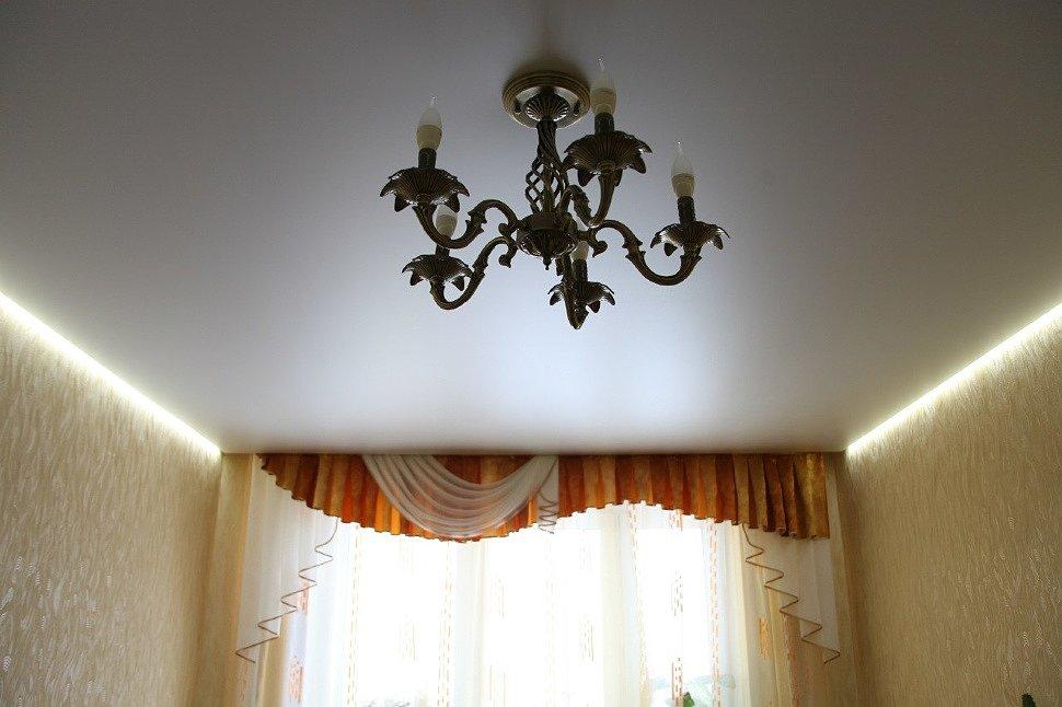 «Парящий» потолок