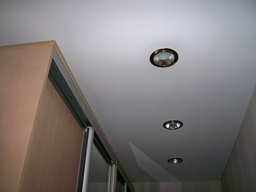точечные светильники для натяжного потолка