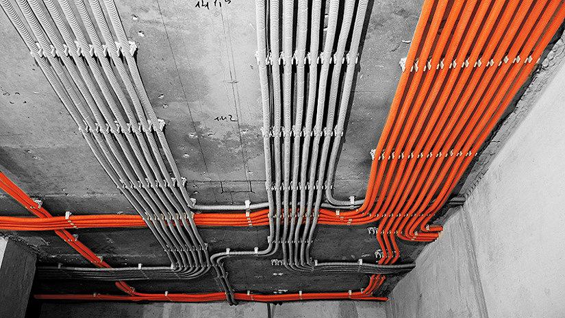 проводка за натяжным потолком