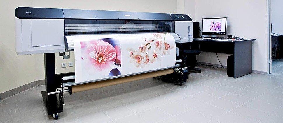 Широкоформатная печать на пленке промышленным принтером