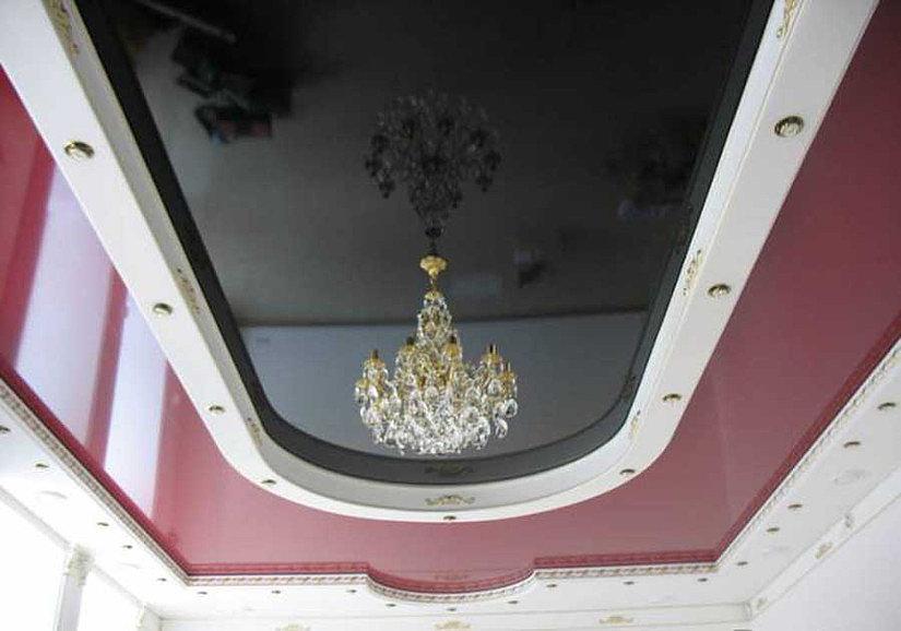 хрустальная люстра на натяжном потолке