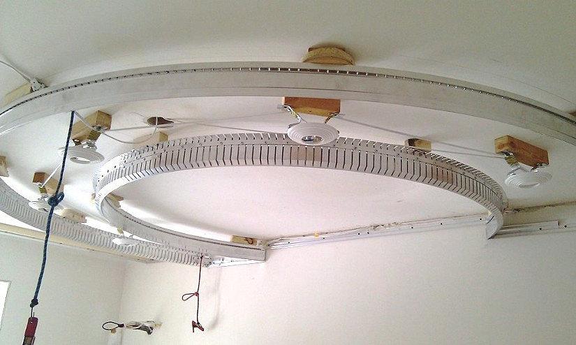Криволинейный профиль для натяжного потолка