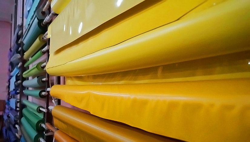 широкая цветовая гамма натяжных потолков
