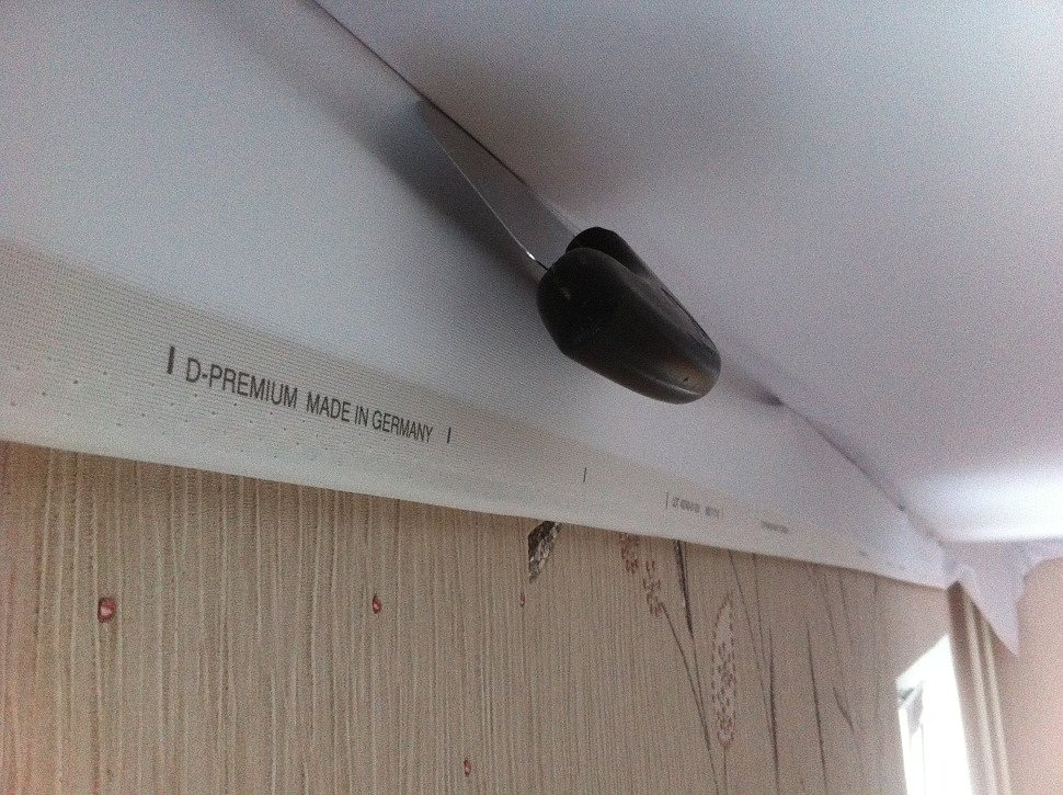 Монтаж тканевого натяжного потолка