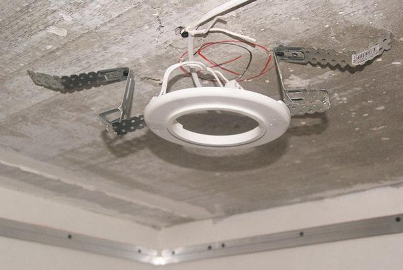 Закладные под натяжной потолок