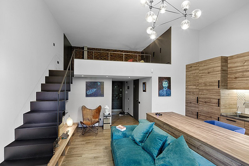 Высота помещения увеличивает стоимость монтажа натяжного потолка