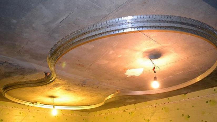алюминиевый профиль на потолке