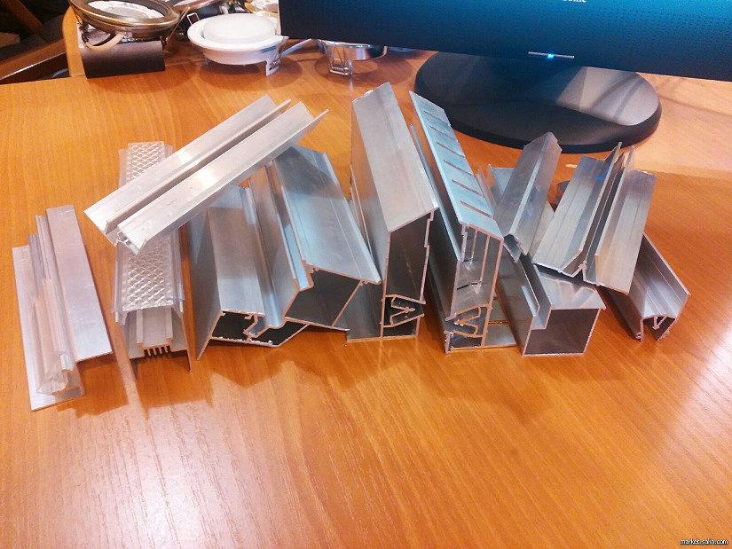 Алюминиевые багеты для натяжных потолков