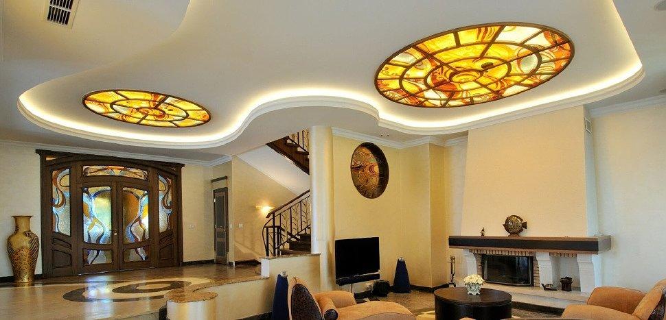 Натяжной потолок в современном интерьере