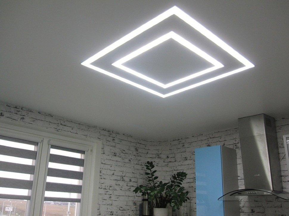 Натяжной потолок «парящие линии»