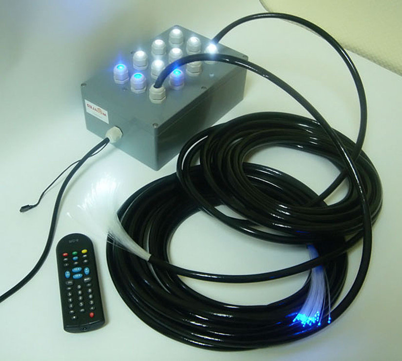 набор оптоволоконных нитей с пультом управления