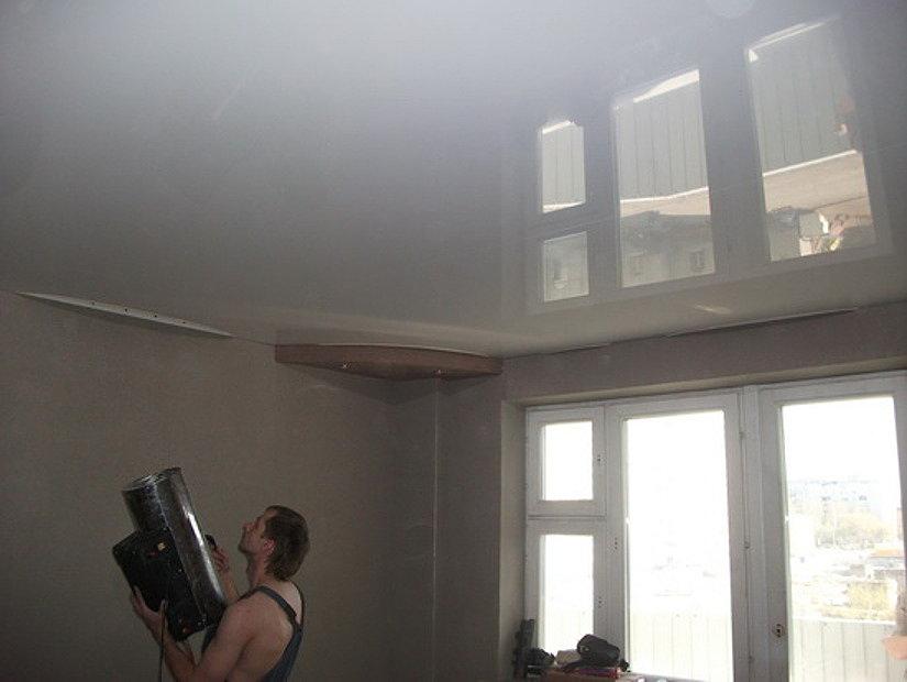монтаж потолка с помощью газовой пушки