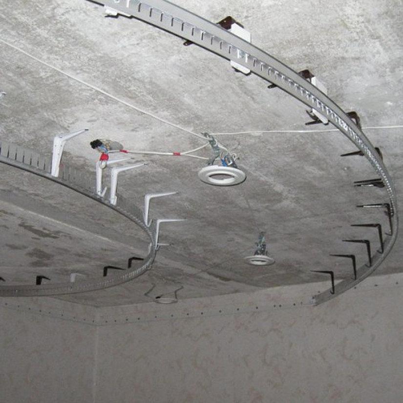 профиль КП 4000 на натяжном потолке