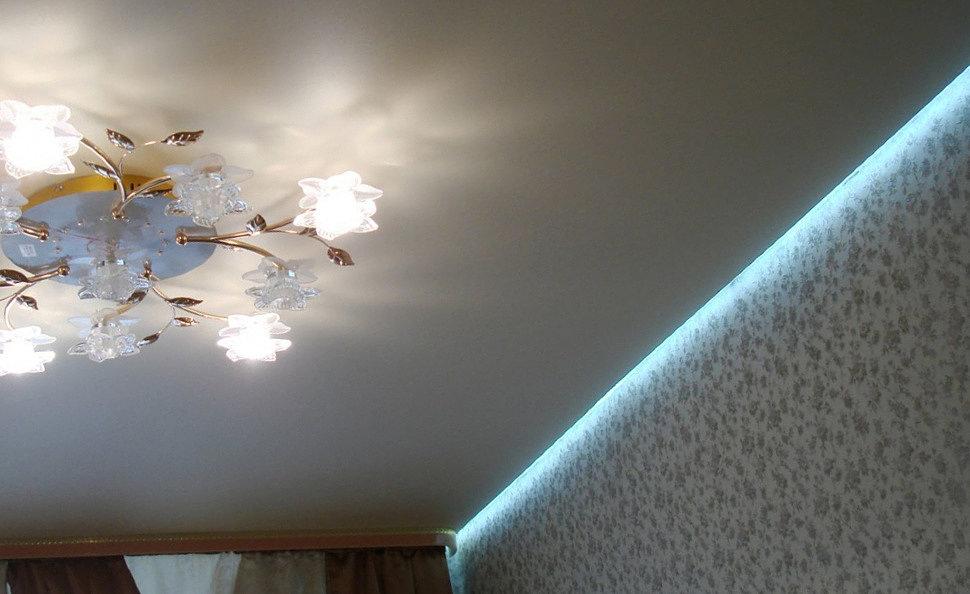 """""""Парящий"""" тканевый потолок с подсветкой"""