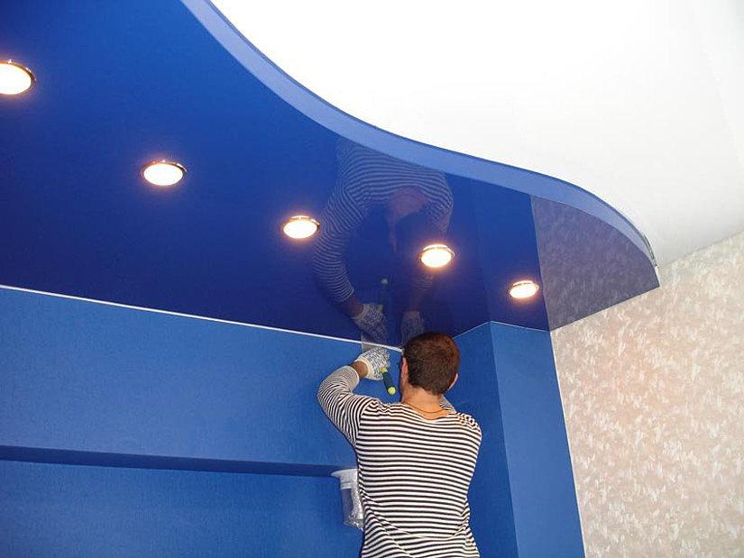 Монтаж натяжного криволинейного потолка