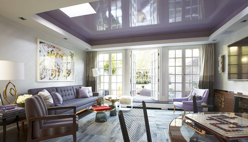 Натяжной потолок в современной квартире